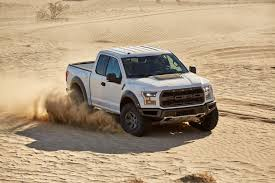 ford raptor jump watch the 2017 ford f 150 raptor give its fox racing shox a workout