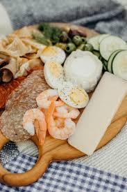 w u0026d guide to an impromptu no cook backyard picnic wit u0026 delight