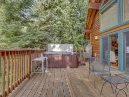 inviting custom cabin on mt hood w a fireplace a grill u0026 a