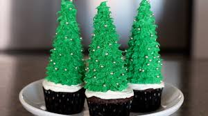 how to make christmas tree cupcakes cooking tips u0026 recipes youtube