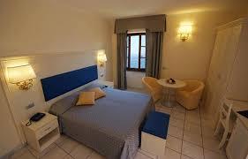 chambre hotel derniere minute cuisine chambre d hã tel classique hotel room amarcord