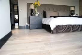 parquet blanc chambre chen36125 chêne massif a l ancienne verni mat 70x14
