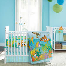Nemo Bedding Set White Wooden Bedding Set With Nemo And Friends Pictures Placed On