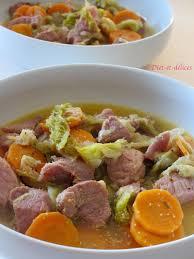 cuisiner palette de porc palette de porc mijotée aux légumes et moutarde au piment d espelette