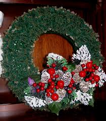 knitted lace wreath wreaths pinterest knit lace wreaths and