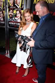 keeping up with the joneses isla fisher keeping up with the joneses la premiere 07 gotceleb
