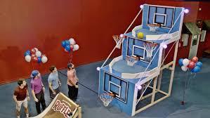 giant basketball arcade battle dude perfect youtube