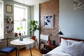 Wild Things Interiors See How An Interiors Stylist Transformed One Tiny Brooklyn Bedroom