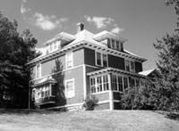 antique homes colonial revival style