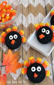 simple oreo turkey cookies oreo turkey oreo and easy peasy