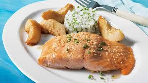 comment cuisiner le pavé de saumon pavés de saumon aux poires asiatiques recettes iga poisson