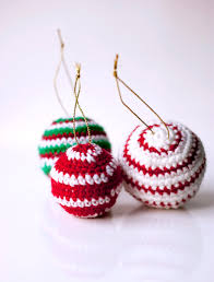 super easy and fast crocheted baubles great way to use that ever