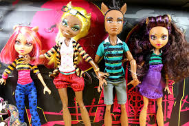 Monster High Halloween Wolf Doll by Mattel Monster High A Pack Of Trouble Set Wolf Family 4