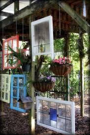 decoration avec des pots en terre cuite 55 idées déco jardin u2013 réutiliser les vieilles portes et fenêtres
