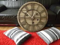touret bois deco l u0027atelier tic et tac horloges faites a partir de touret en bois