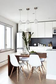 chaises cuisine blanches cuisine blanche et bois table à manger et chaises scandinaves