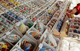 easter decorations for sale decorative easter eggs displayed at the schonbrunn ostermarkt
