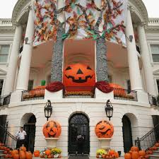 Decorated Homes For Halloween Here U0027s How 3 Celebrities Decorate Their Homes For Halloween