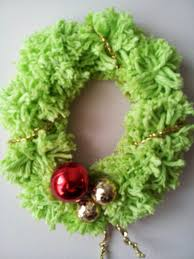 little townhome love pom pom christmas wreath craft