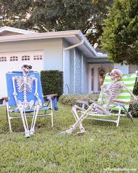 Simple Halloween Decorations Outdoor by 25 Best Lawn Decorations Ideas On Pinterest Lawn Front Yard