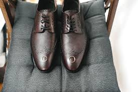 wedding shoes for groom groom s guide how to the wedding shoes smartgroom