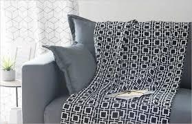 plaid canapé maison du monde comment meubler premier appartement