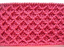 free pattern diamond crochet cowl