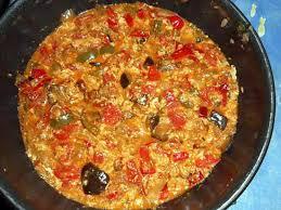 cuisiner le poivron recette de tchoutchouka aubergine poivron et oeufs