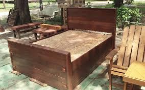 Pallet Bed Frame Plans Diy Pallet Bed King Size 99 Pallets