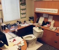 blague au bureau ces blagues de bureau qui vont trop loin