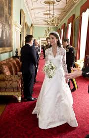 wedding dress in duchess catherine s wedding dress is one of the most expensive