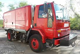 2002 sterling sc8000 street sweeper item da8108 sold ju