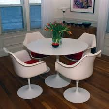 Tulip Table And Chairs Mid Century Modern Tulip Table And Chairs Vara Design