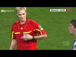 Big Breast Memes - football player touched female referee s breast youtube