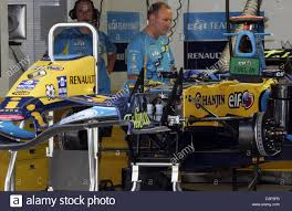 renault f1 alonso a mechanic of renault f1 racing team works on fernando alonso u0027s