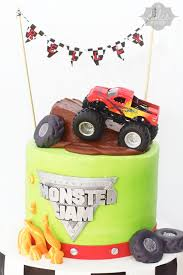 grave digger monster truck cake monster jam cake from la dolce dough www ladolcedough com cake