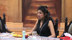 A Cat Fight Springs Up Between Monalisa And Priyanka On Bigg Boss