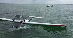 hibious light sport aircraft aviation analysis wing icon a5 suffers hard water landing