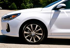 hyundai elantra white compact delight 2018 hyundai elantra gt u2014 auto trends magazine