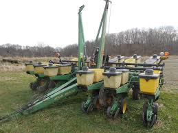 John Deere 7200 Planter by Farm Machinery Retirement Auction U2013 Cowman Auction