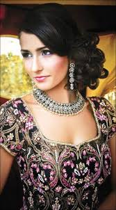 indian bridal hairstyle hindu bridal hairstyles 14 safe hairdos for the modern day bride