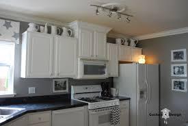 kitchen wall pictures benjamin moore white dove pm 19 simply white vs white dove