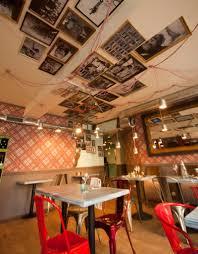 deco de restaurant bistrot restaurant vintage industriel à la décoration décalée