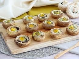 caille sur canapé chignons aux œufs de caille recette ptitchef