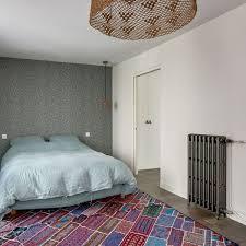 dans une chambre mettre de la couleur dans une chambre d adulte côté maison