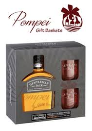 whiskey gift basket gentleman whiskey gift set from pompei baskets