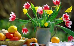 Spring Flower Garden Spring Flowers In A Vase Romantic Moment In The Garden