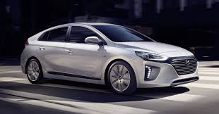 kereta hyundai ioniq hyundai u0027s first hybrid electric u0026 plug in hybrid car