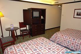 chambre standard sequoia lodge disney s sequoia lodge standard room with original theme photos
