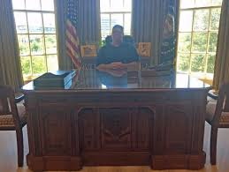 Resolute Desk Oval Office At The Resolute Desk Picture Of The George W Bush